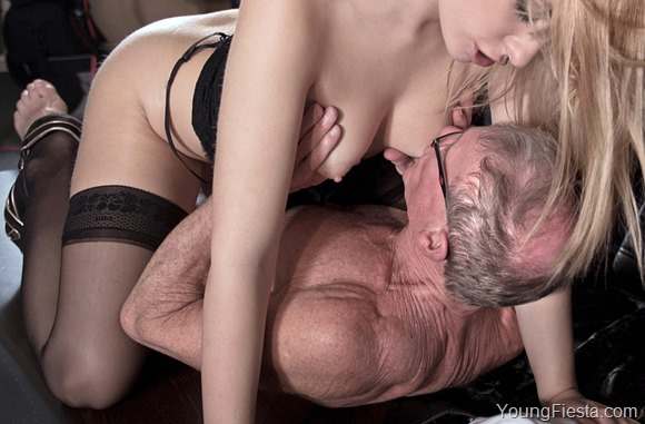 Find young coeds that want sex with older men
